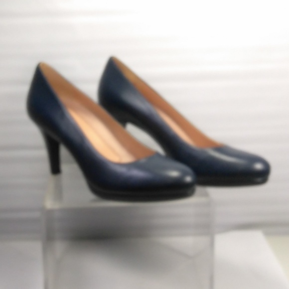 bbf7d1c26ca Naturalizer blue Michelle leather pumps heels. M 5c39961d8ad2f9df87652f6b